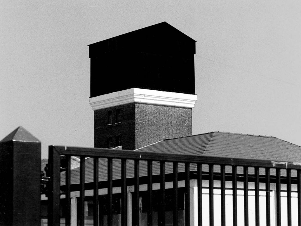 John-Smith_the_black_tower2